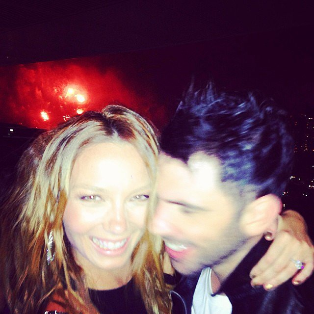 Ricki-Lee Coulter was looking beautiful and happy with her partner Rich as the fireworks went off in Sydney. Source: Instagram user therickilee