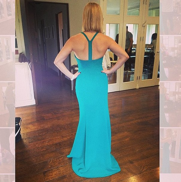 Teal and toned, Reese Witherspoon stunned in her Calvin Klein design. Source: Instagram user lesliefremar