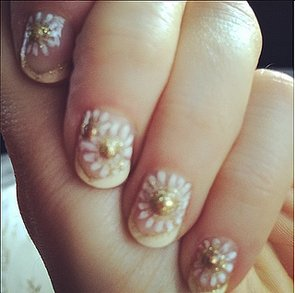 Celebrity Beauty: Zooey Deschanel's Best Nail Art