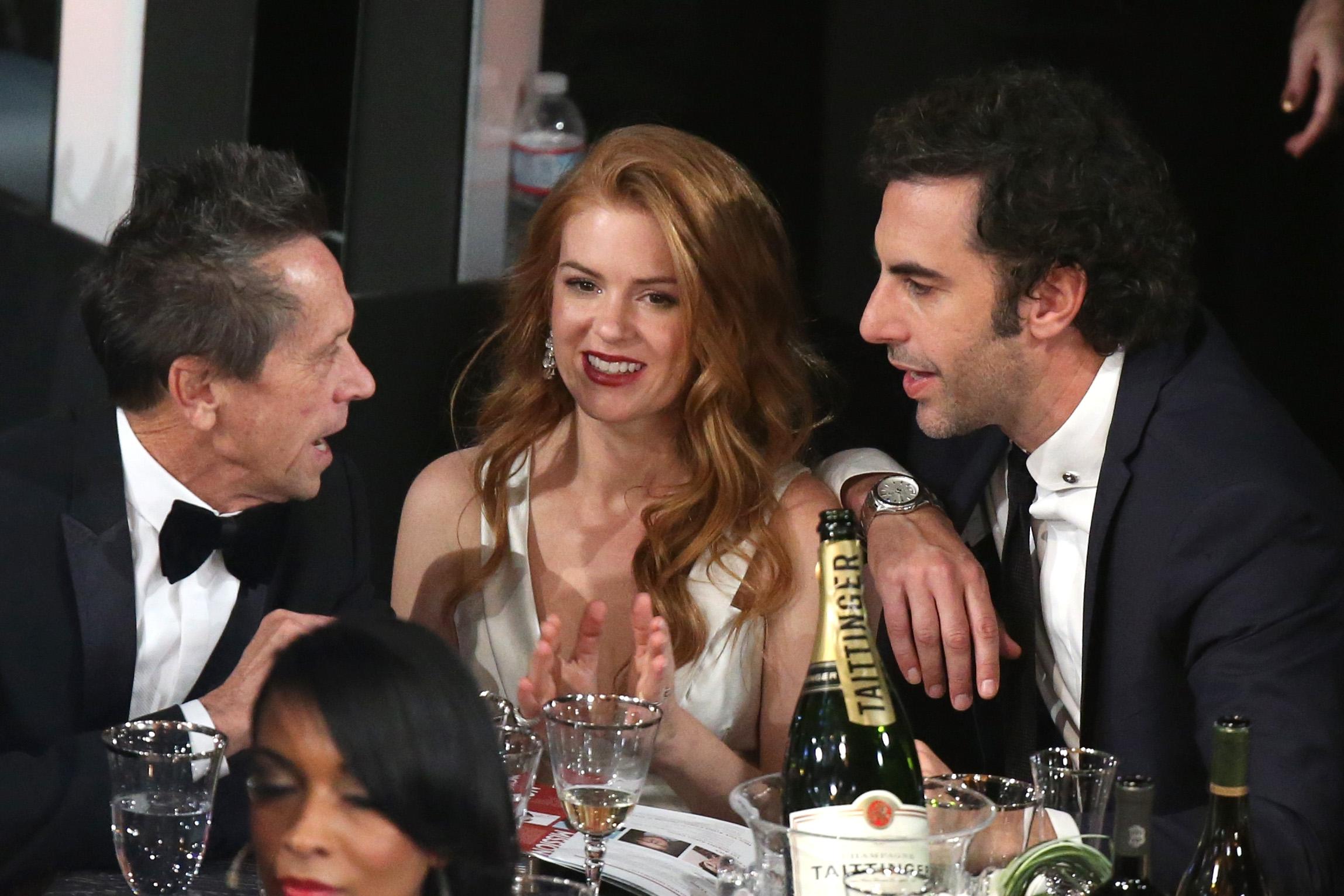 Share This Link  Sacha Baron Cohen And Isla Fisher Kiss