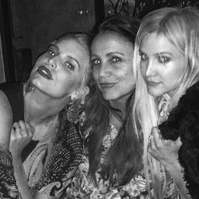 Jessica and Ashlee Simpson got together to celebrate their mom Tina's birthday. Source: Instagram user jessicasimpson1111
