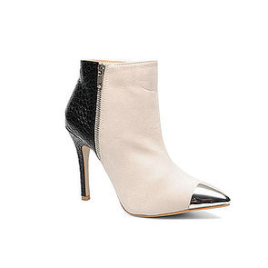 Monochrome Schuh-Obsession