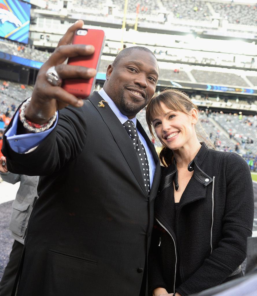 Warren Sapp snapped a selfie with Jennifer Garner.