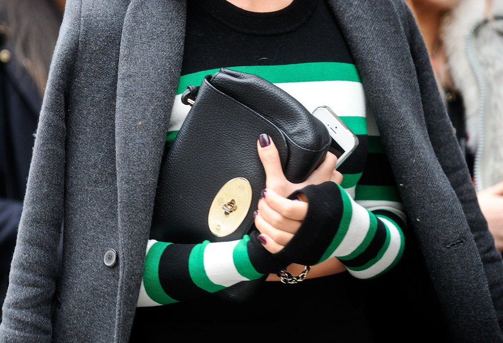 Nicole Warne kept a tight grasp on her Mulberry clutch — we would too.