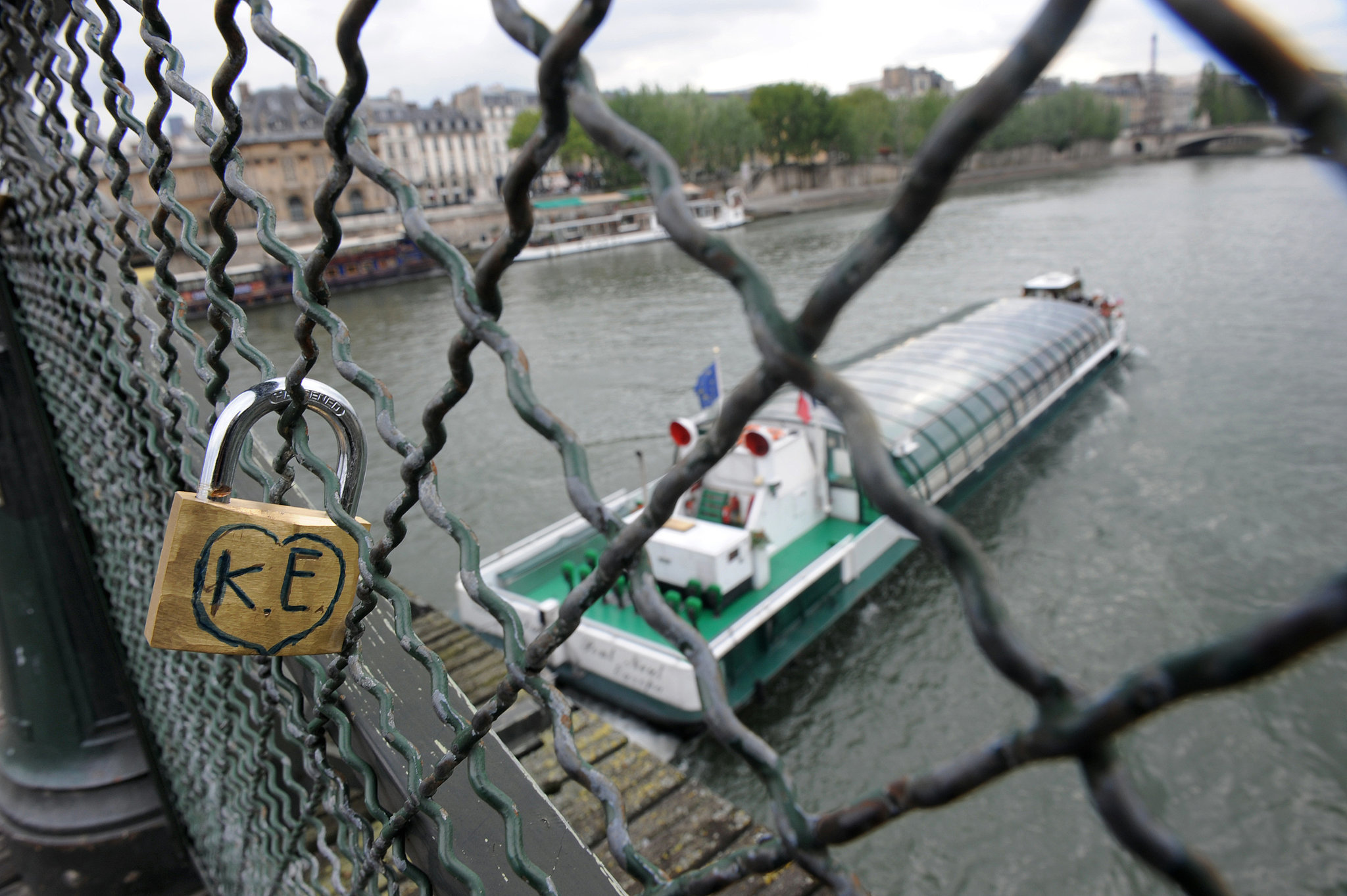 A lone love lock in Paris.