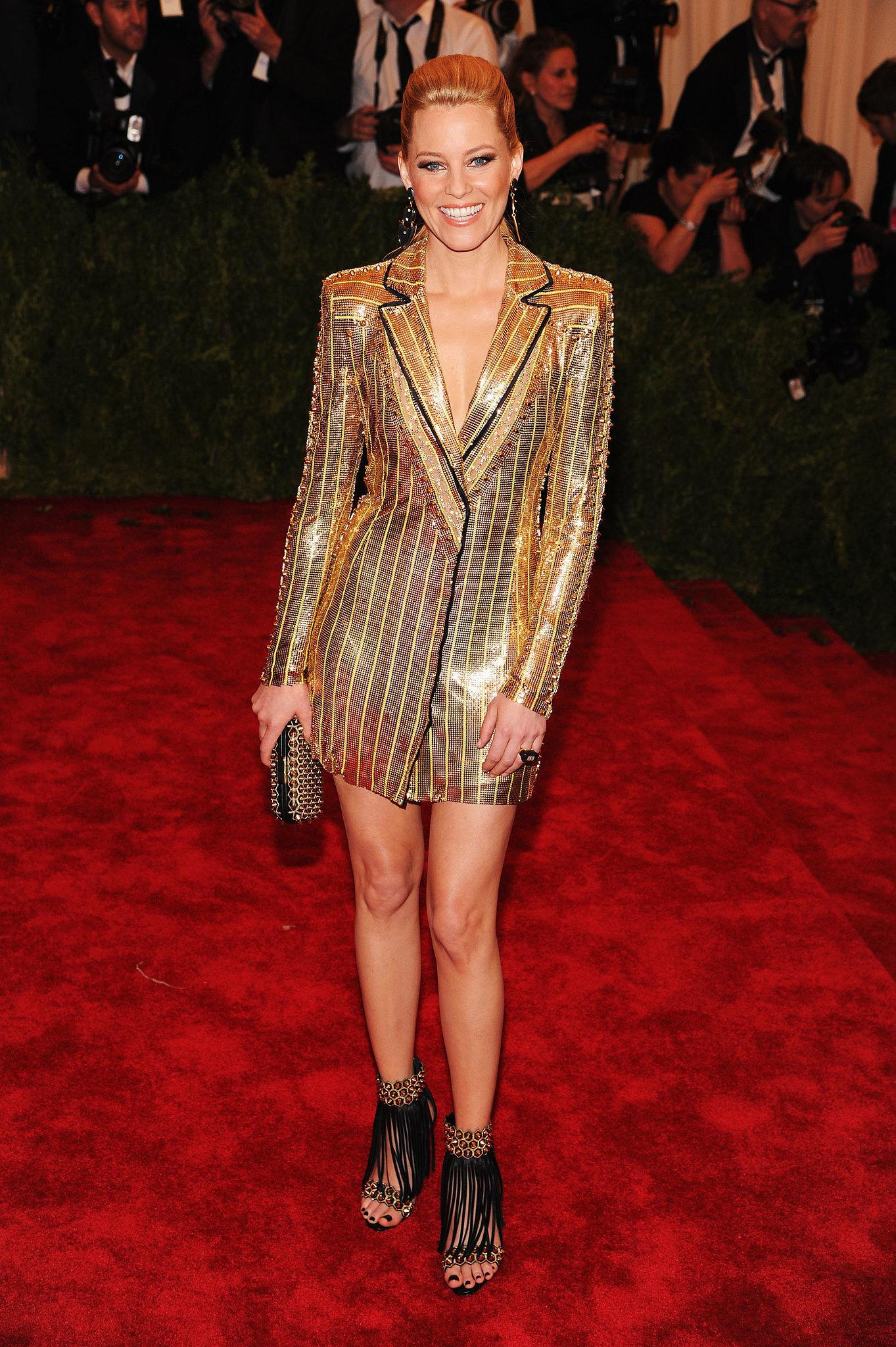 Elizabeth Banks in Versace at the Met Gala