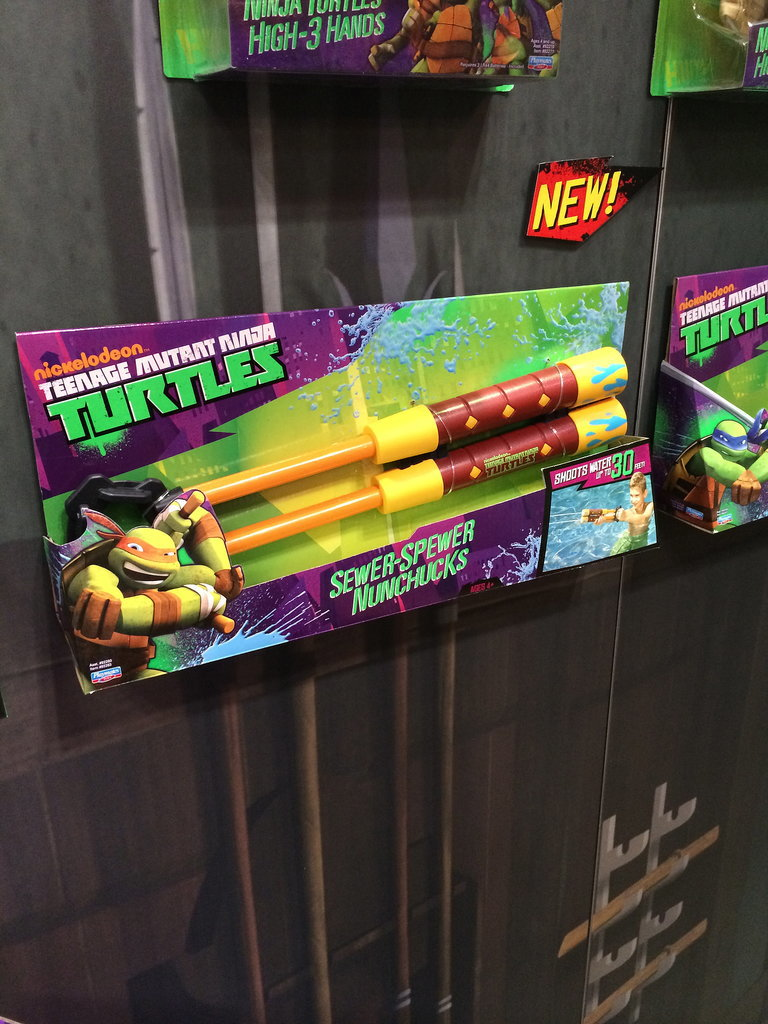 Teenage Mutant Ninja Turtles Sewer Spewer Numchucks