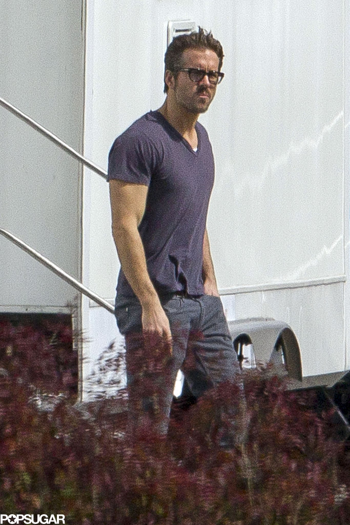 On Thursday, Ryan Reynolds wore a pair of glasses while hanging out on the set of Mississippi Grind in New Orleans.