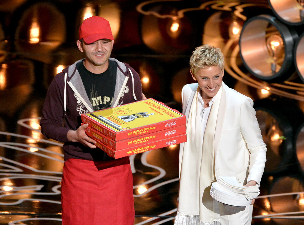 Ellen DeGeneres brought Edgar the pizza guy out on the stage — much to his surprise! — to serve pizza to the stars.