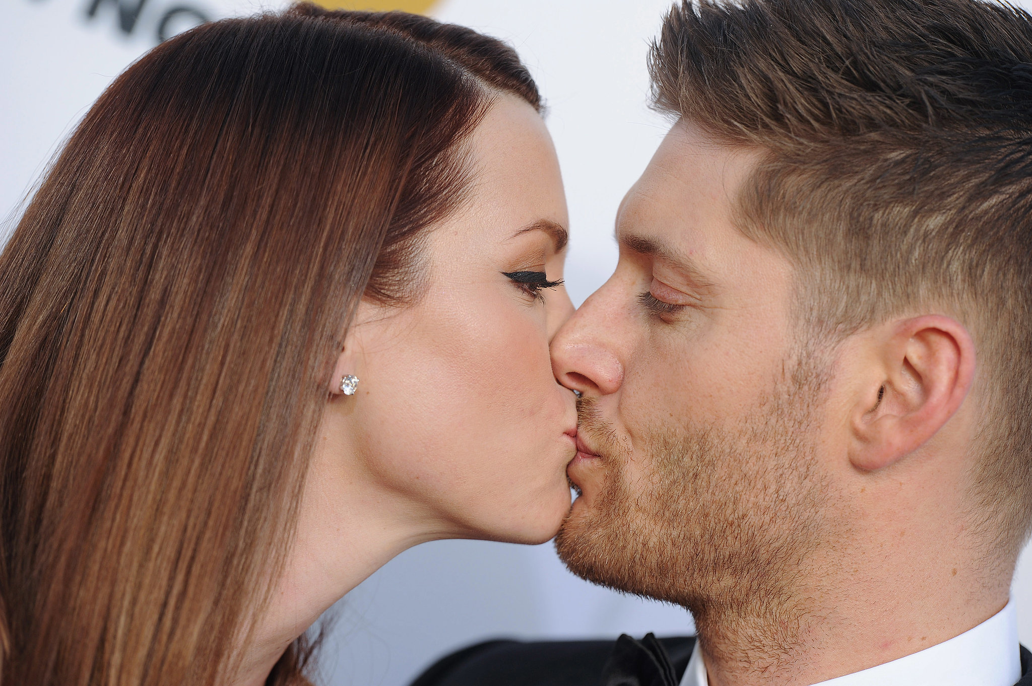 Jensen-Ackles-wife-Danneel-got-kissy-red-carpet jpgJensen Ackles Wife
