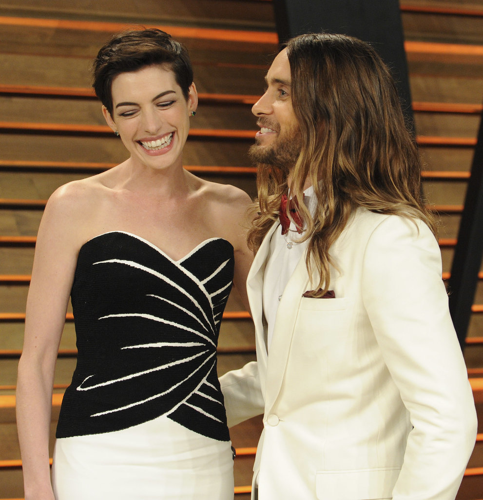 Anne Hathaway laughed with Jared Leto after he photobomed her.