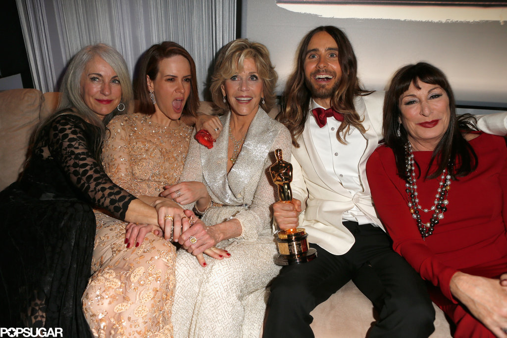 Jared Leto was surrounded by lovely ladies during the party — Sarah Paulson, Jane Fonda, Anjelica Huston, and Jared's mom, Constance, all helped him celebrate his big win.