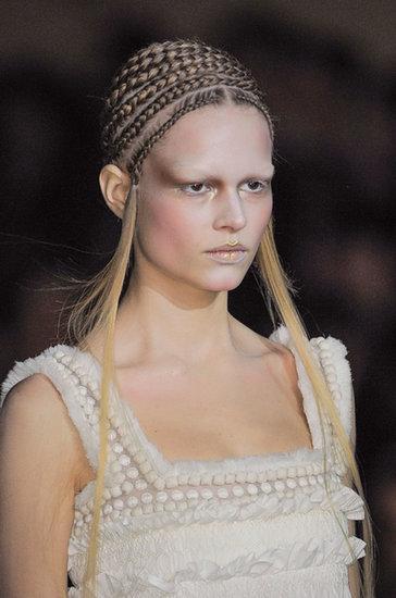Alexander McQueen Fall 2014 Hair and Makeup   Runway