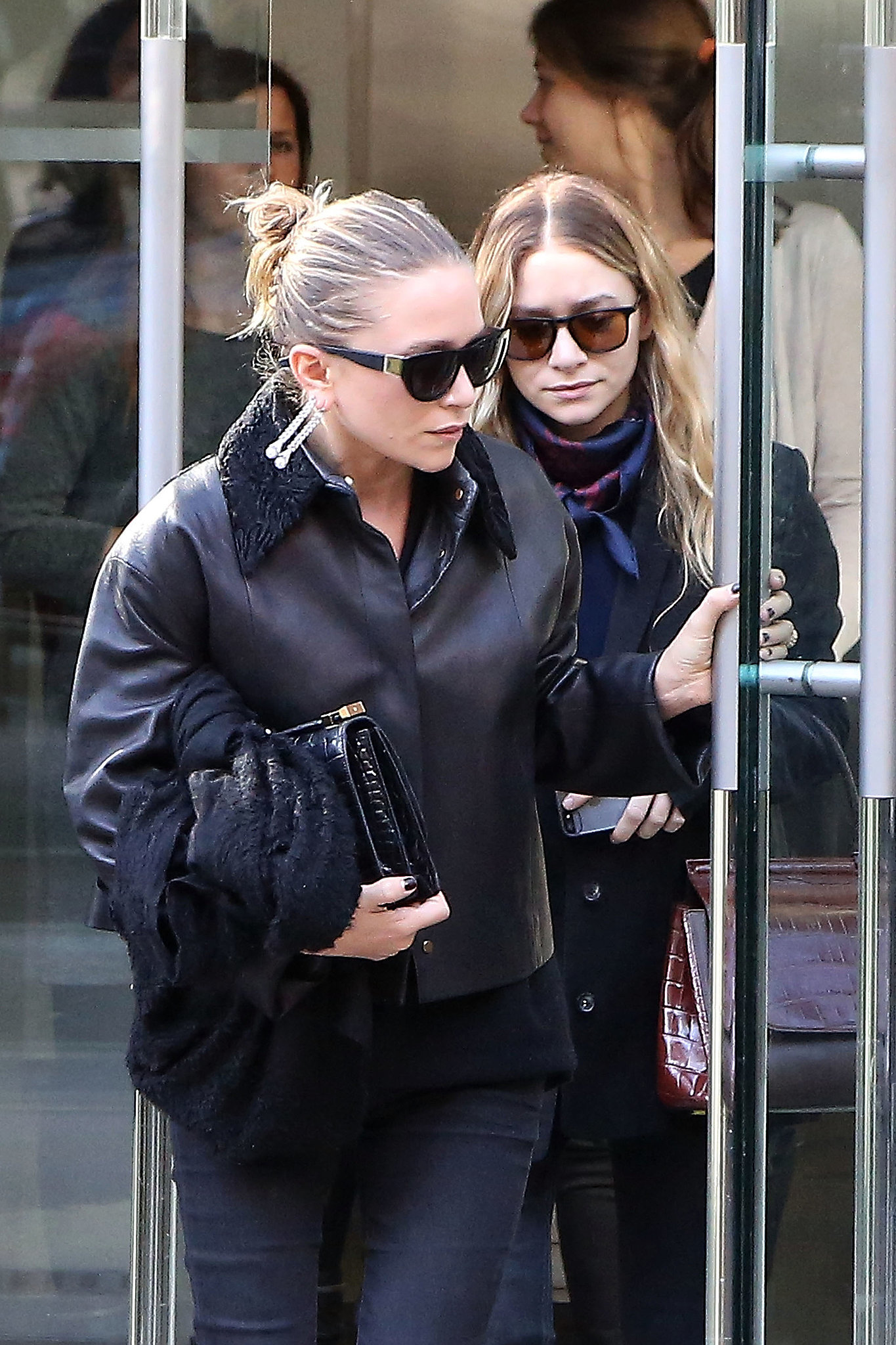 Mary-Kate and Ashley Olsen in Paris