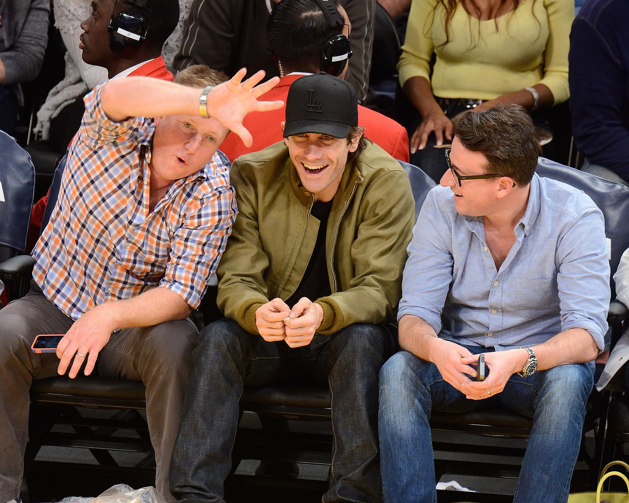 Jake Gyllenhaal felt the LA Lakers spirit with pals when the team played the Minnesota Timberwolves in November 2013.