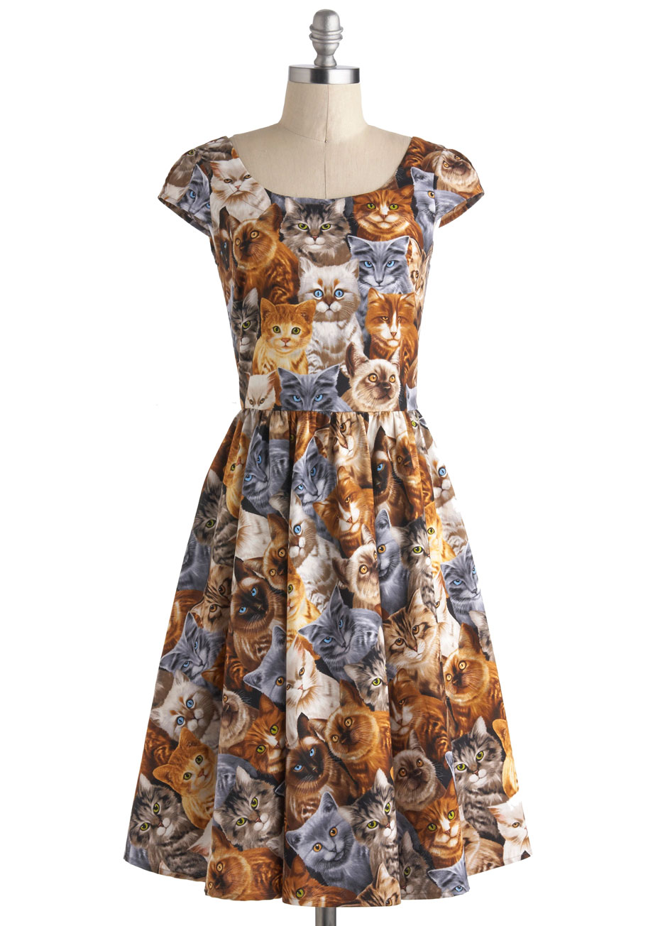 Even Betty Draper would have wanted to rock this '50s-style cat dress ($90).