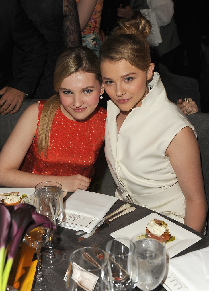 Photo of Abigail Breslin & her friend  Chloë Moretz