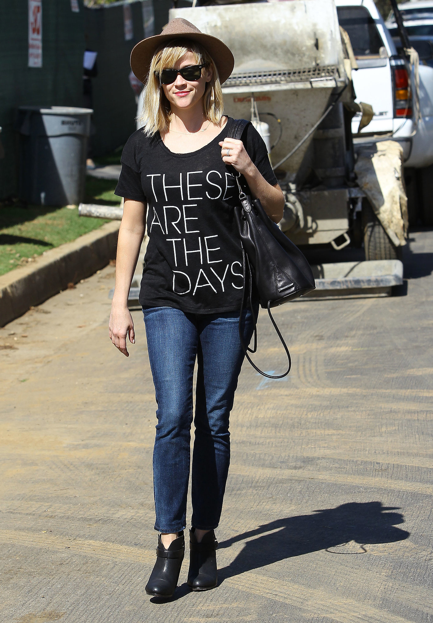 """Reese Witherspoon in J.Crew """"These Are the Days"""" Tee"""
