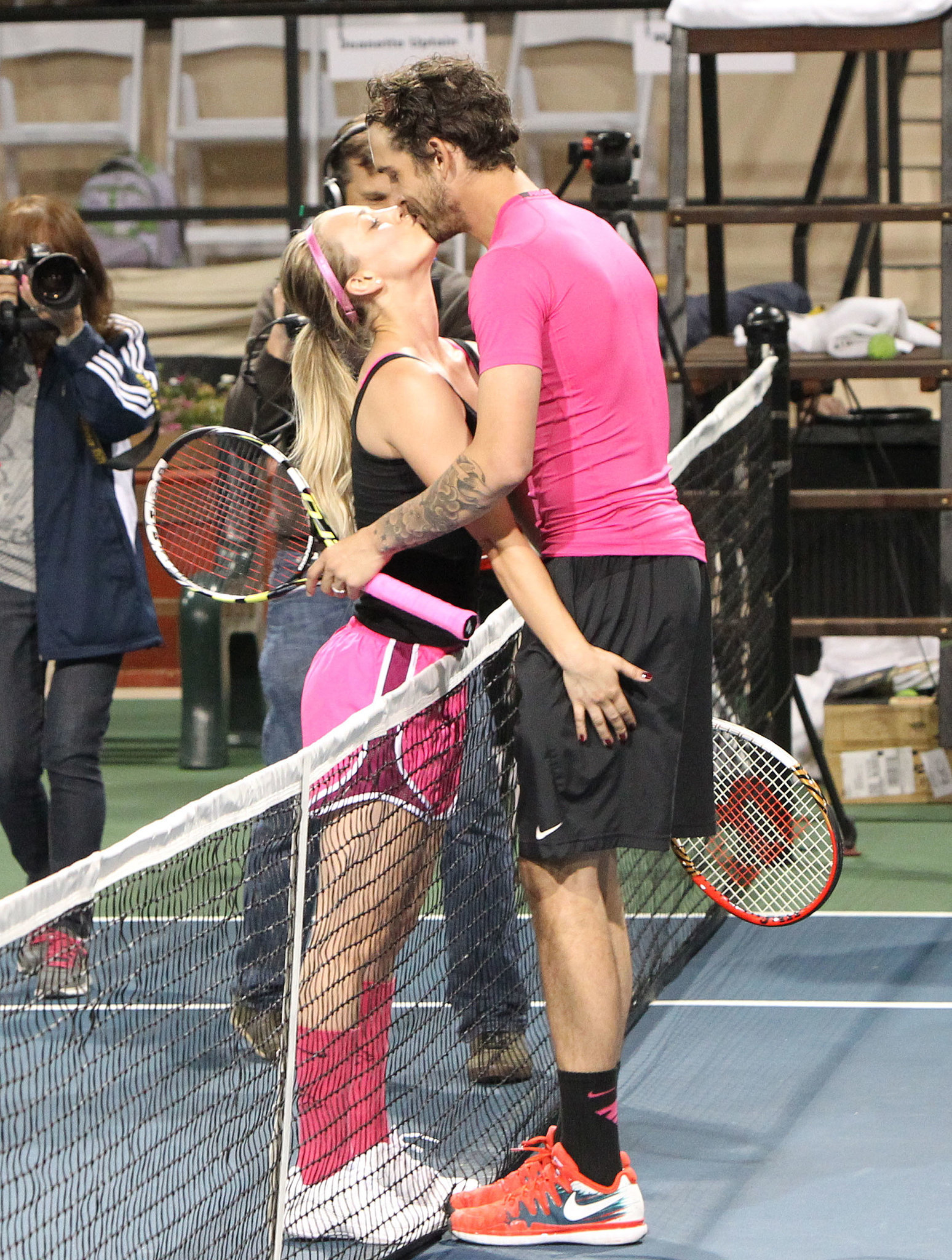 Kaley Cuoco and Ryan Sweeting showed PDA during the 2014 USTA Men's Pro Tennis Championships of Calabasas, CA, on Saturday.