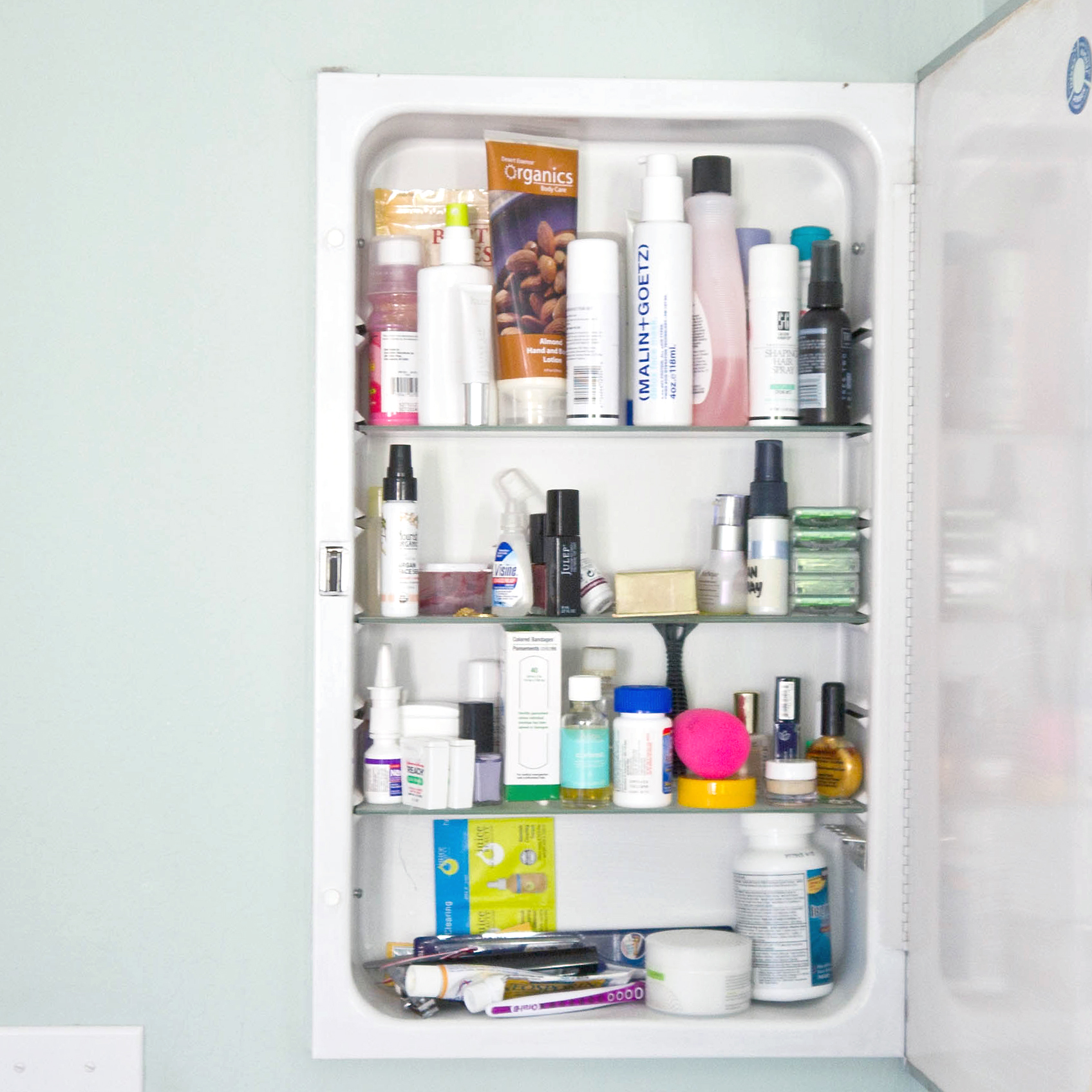 How to Organize a Medicine Cabinet Using a Spice Rack