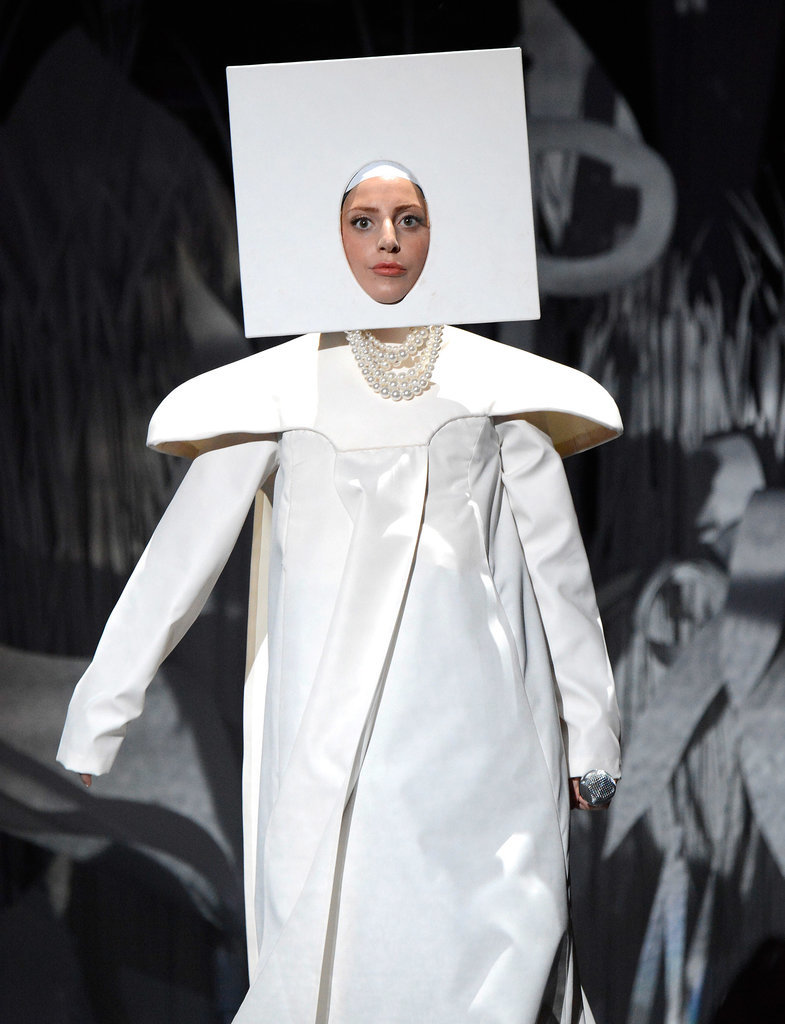 She Started Her 2013 VMAs Performance Wearing Whatever This Is