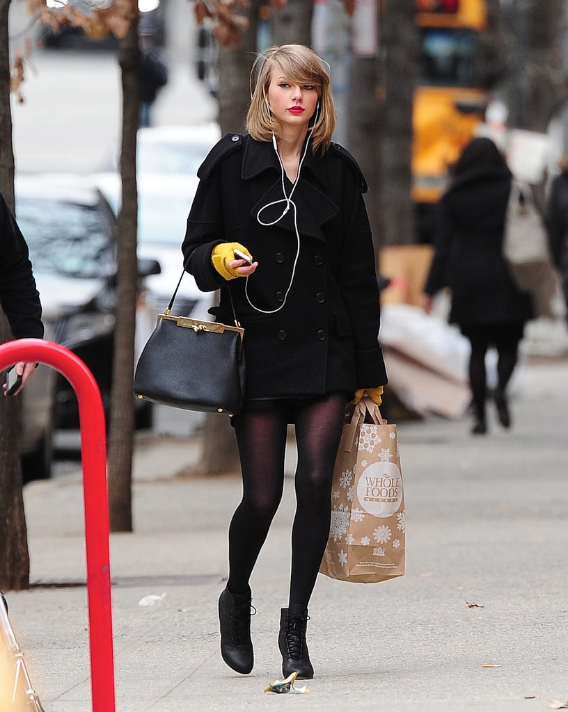 Taylor Swift 39 S Street Style Taylor Swift 39 S Signature
