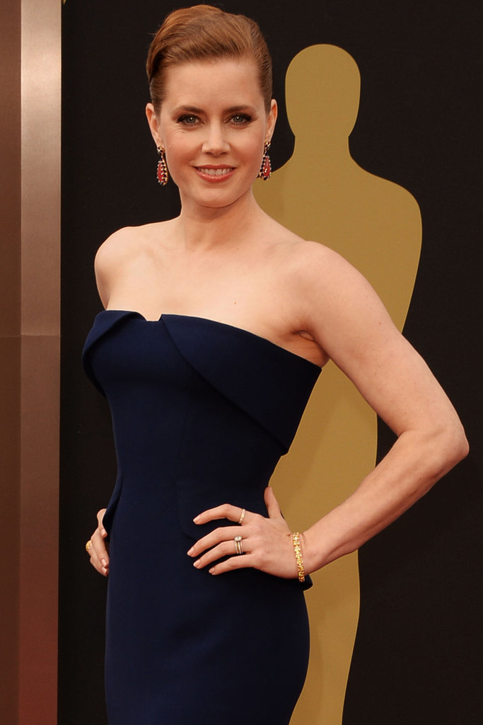 Amy Adams joined Story of Your Life, a sci-fi thriller in which she would play an expert linguist tasked with communicating with aliens.