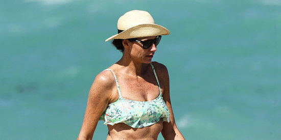 Minnie Driver Looks Fabulous In A Bikini At 44