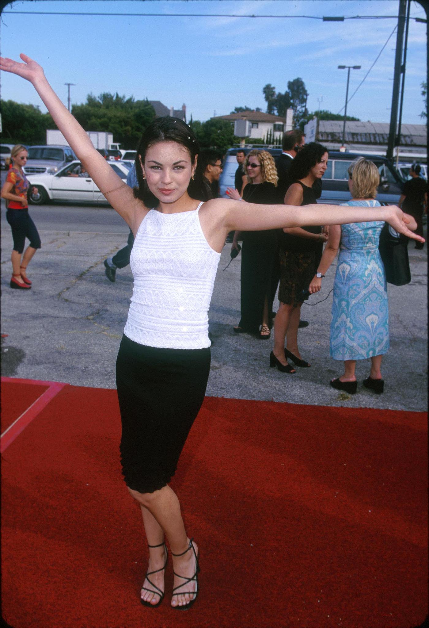 Mila Kunis, 1999