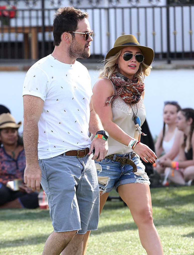 Separated couple Hilary Duff and Mike Comrie walked around together.