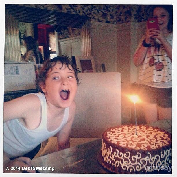 Debra Messing celebrated her son's 10th birthday with a delicious cake and lots of laughs.  Source: Instagram user therealdebramessing