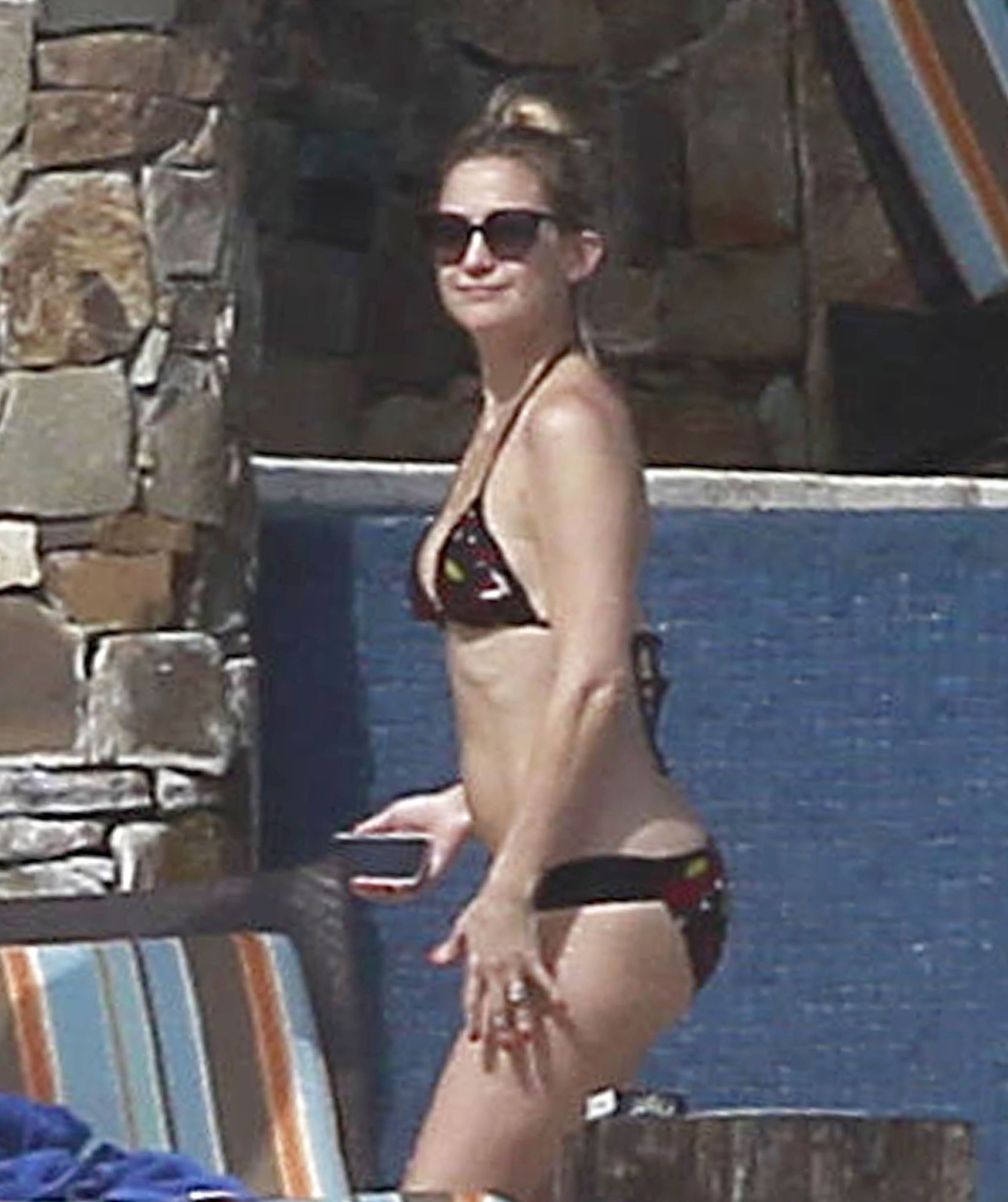In February 2012, Kate looked fantastic in her printed two-piece while in Cabo with Matthew Bellamy.