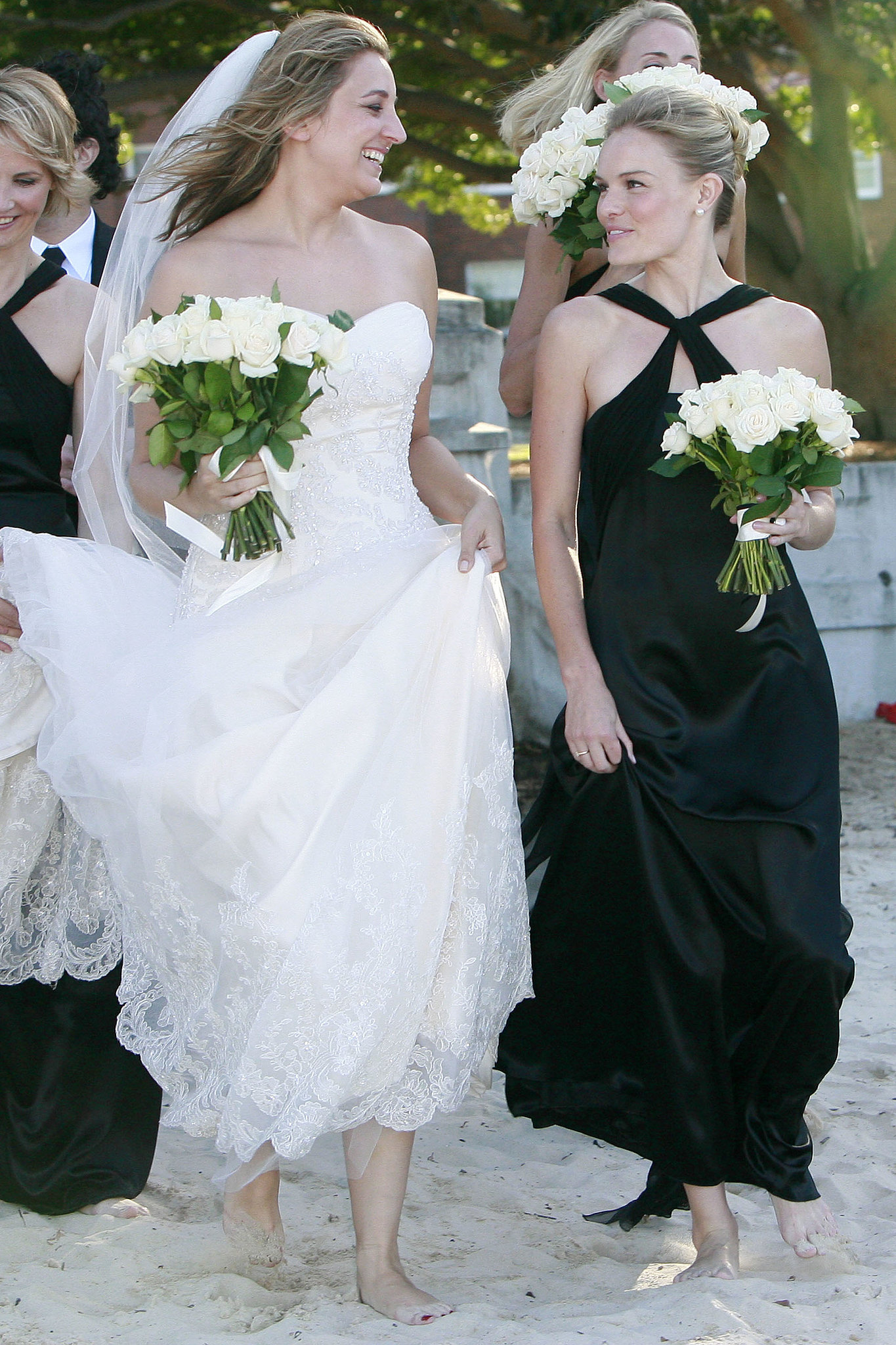 Kate Bosworth shared a moment with the bride at a March 2008 wedding in Sydney.