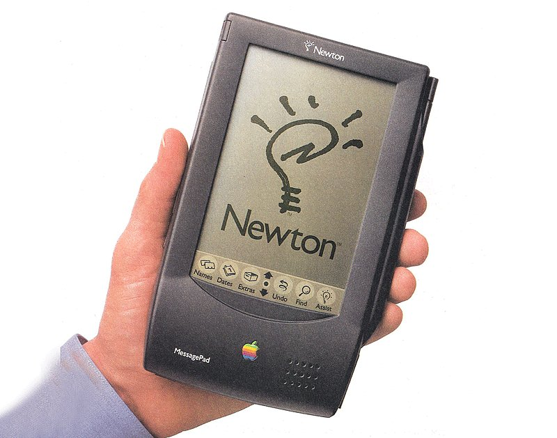 This Apple Newton message pad from way back in 1993 that was touchscreen and came with a pen stylus. #onestepahead Source: Old Computers