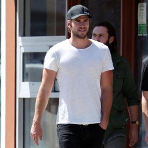 Liam Hemsworth Walking With Friends in LA
