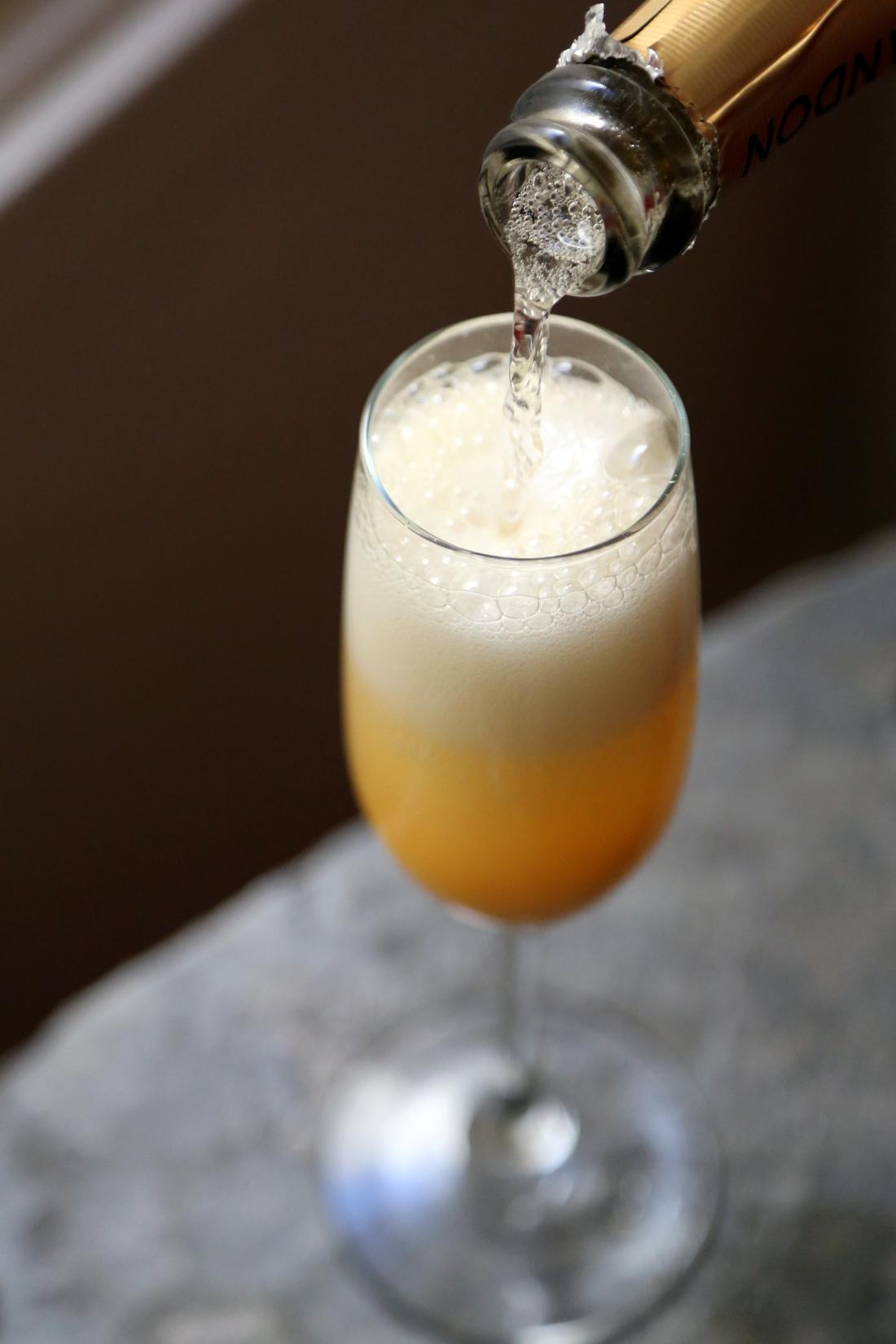 Mango-Grapefruit Mimosas