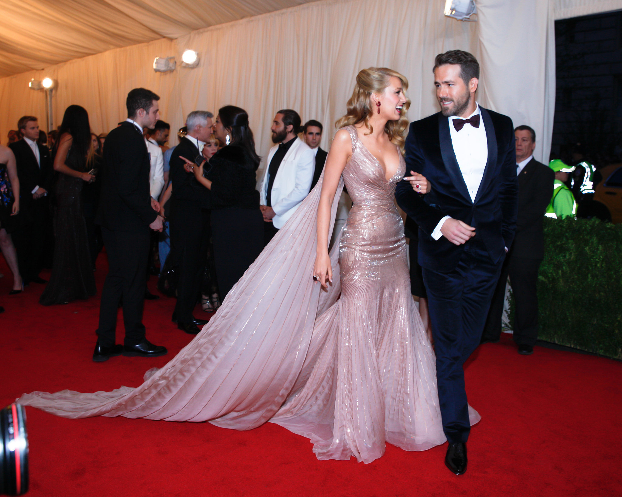 Jake Gyllenhaal mingled with guests while Blake and Ryan walked by.