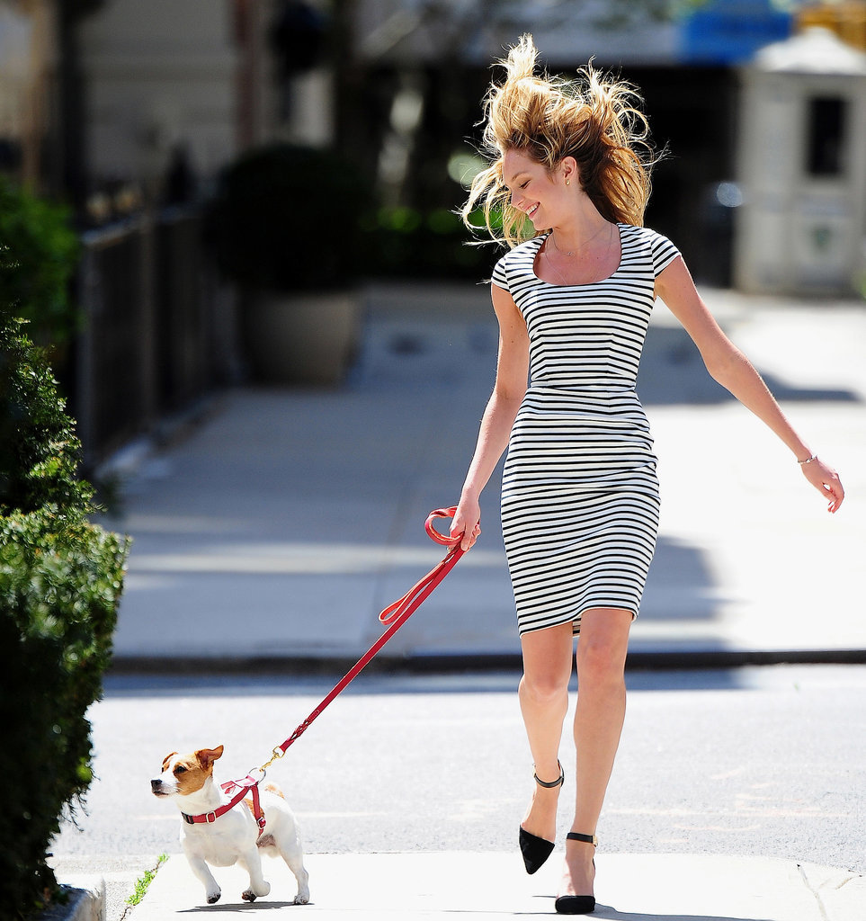 She Makes Walking the Dog Look Hot