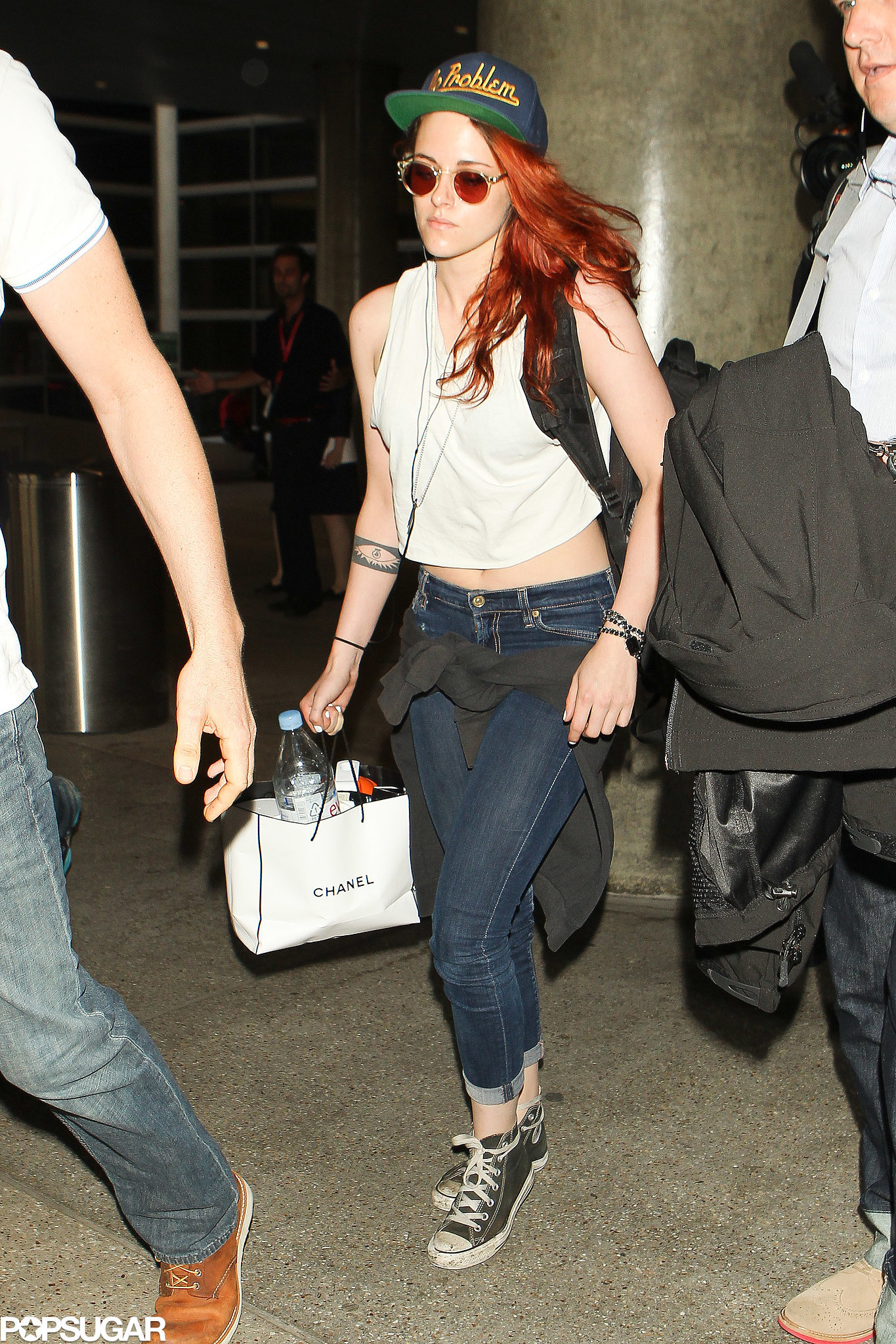 """Kristen Stewart had """"no problem"""" as she made her way through LAX on Sunday."""
