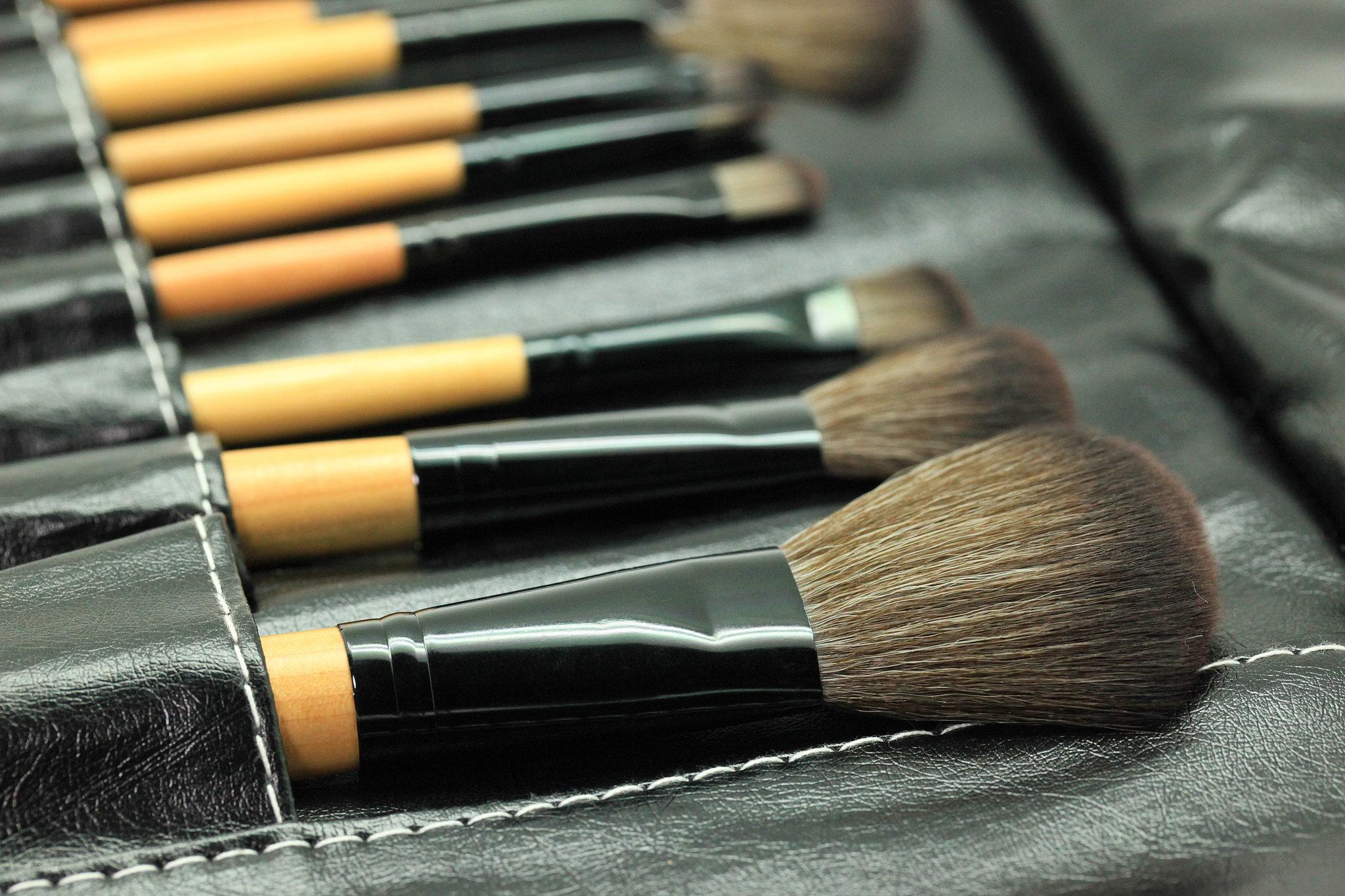 Makeup-Brush Cleaner
