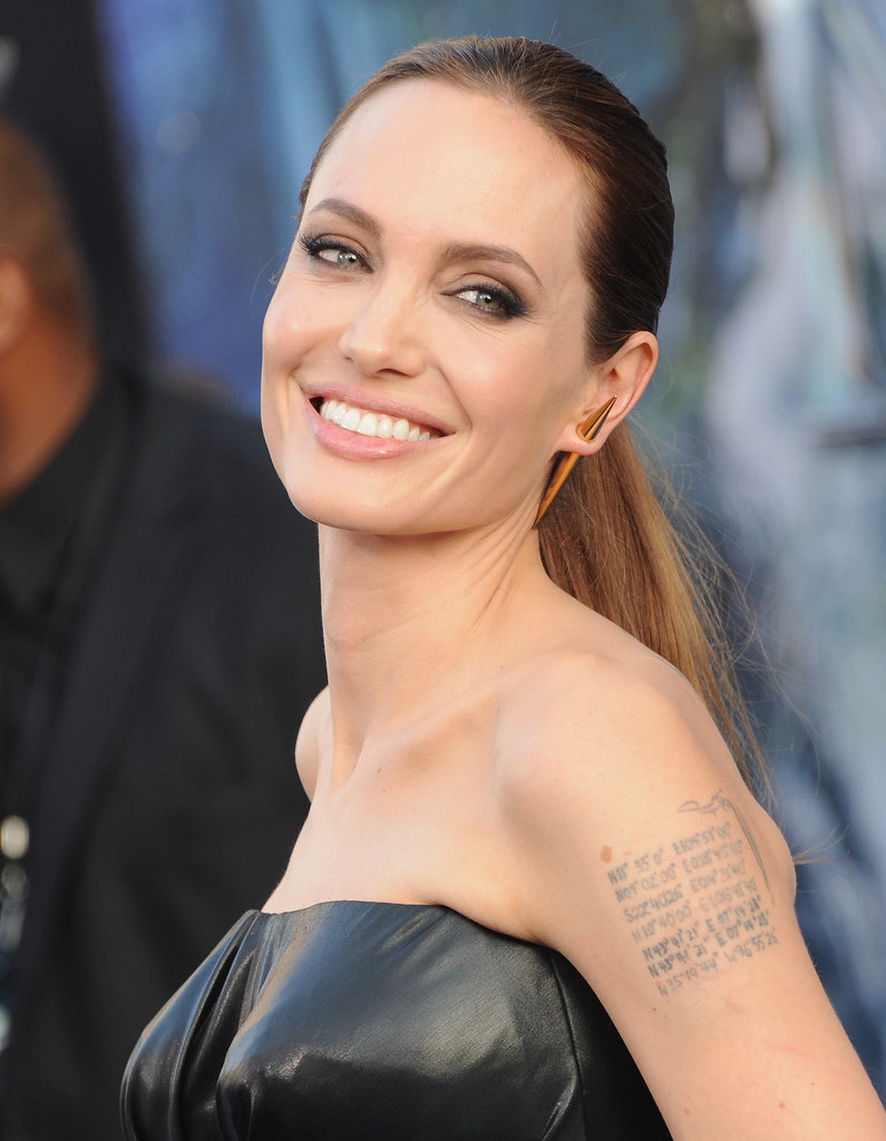 Nude pictures of angelina jolie pics 35