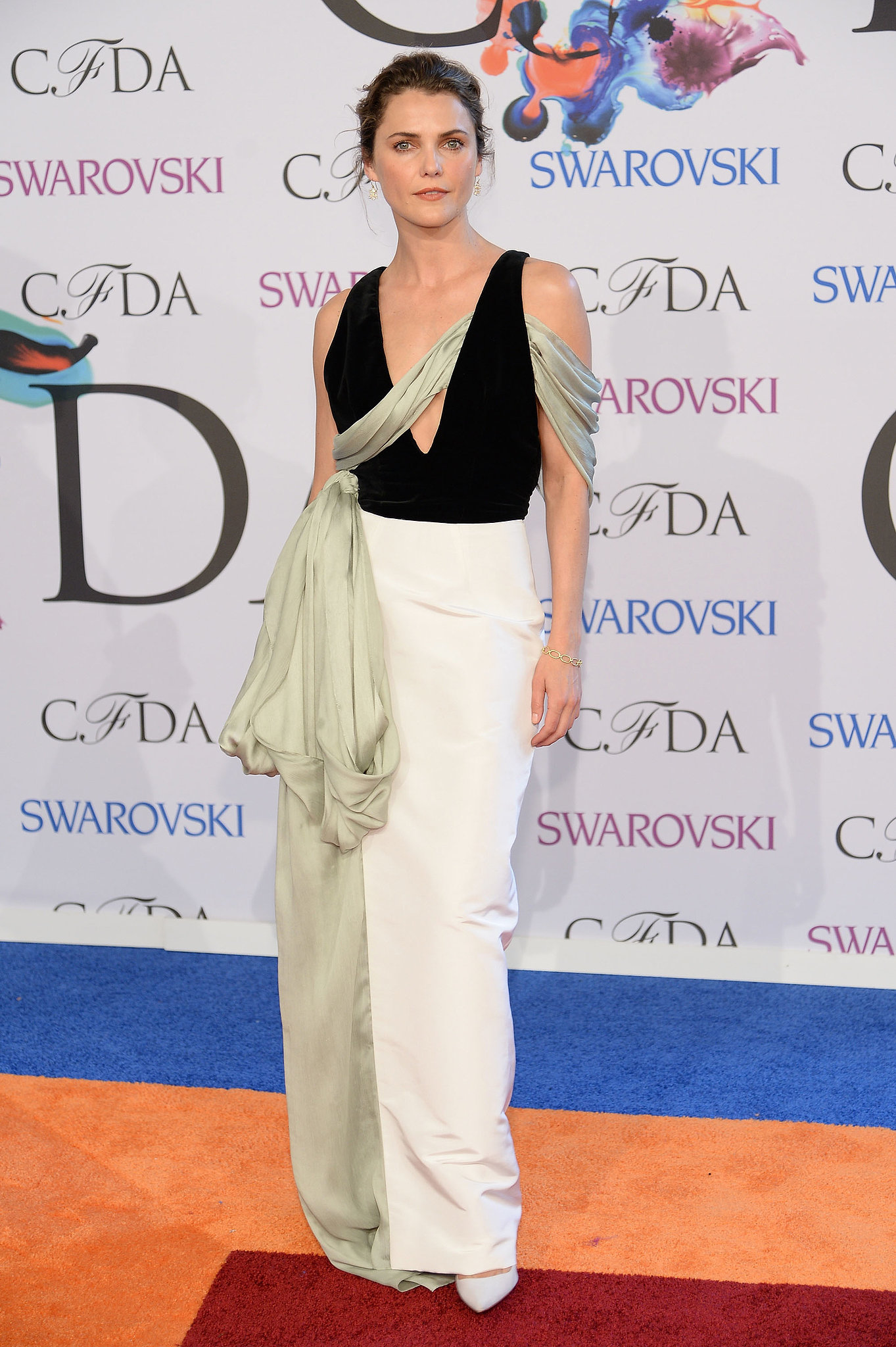 Keri Russell looked gorgeous.