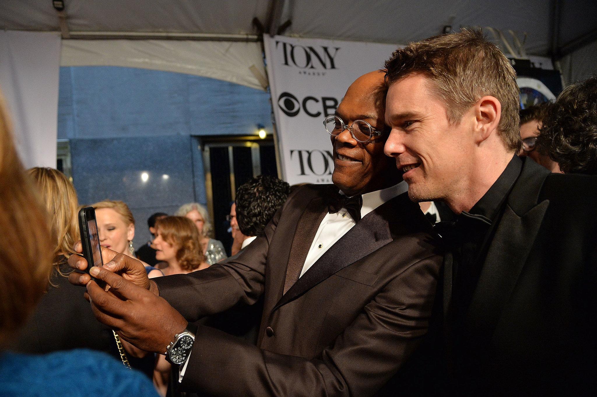 Samuel L. Jackson took a selfie with Ethan Hawke.