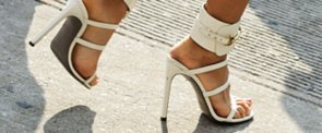 Got Stinky Sandal Feet? Here Are 9 Natural Remedies