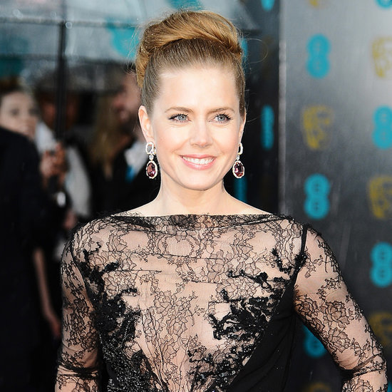 Amy Adams Gives Up Plane Seat For Soldier
