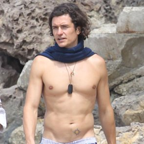 Orlando Bloom Shirtless in Malibu | Pictures