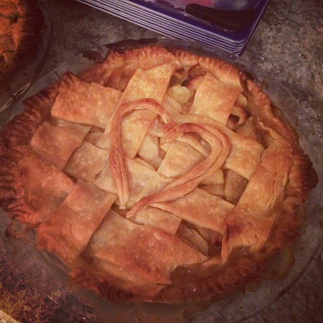 """We made apple pie because America,"" Taylor captioned this snap. Source: Instagram user taylorswift"