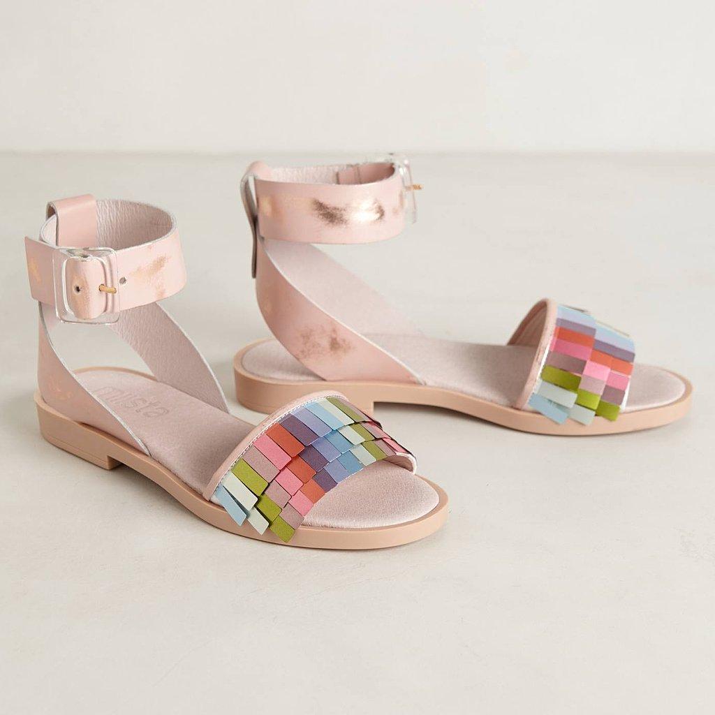 Best Flat Sandals For Summer