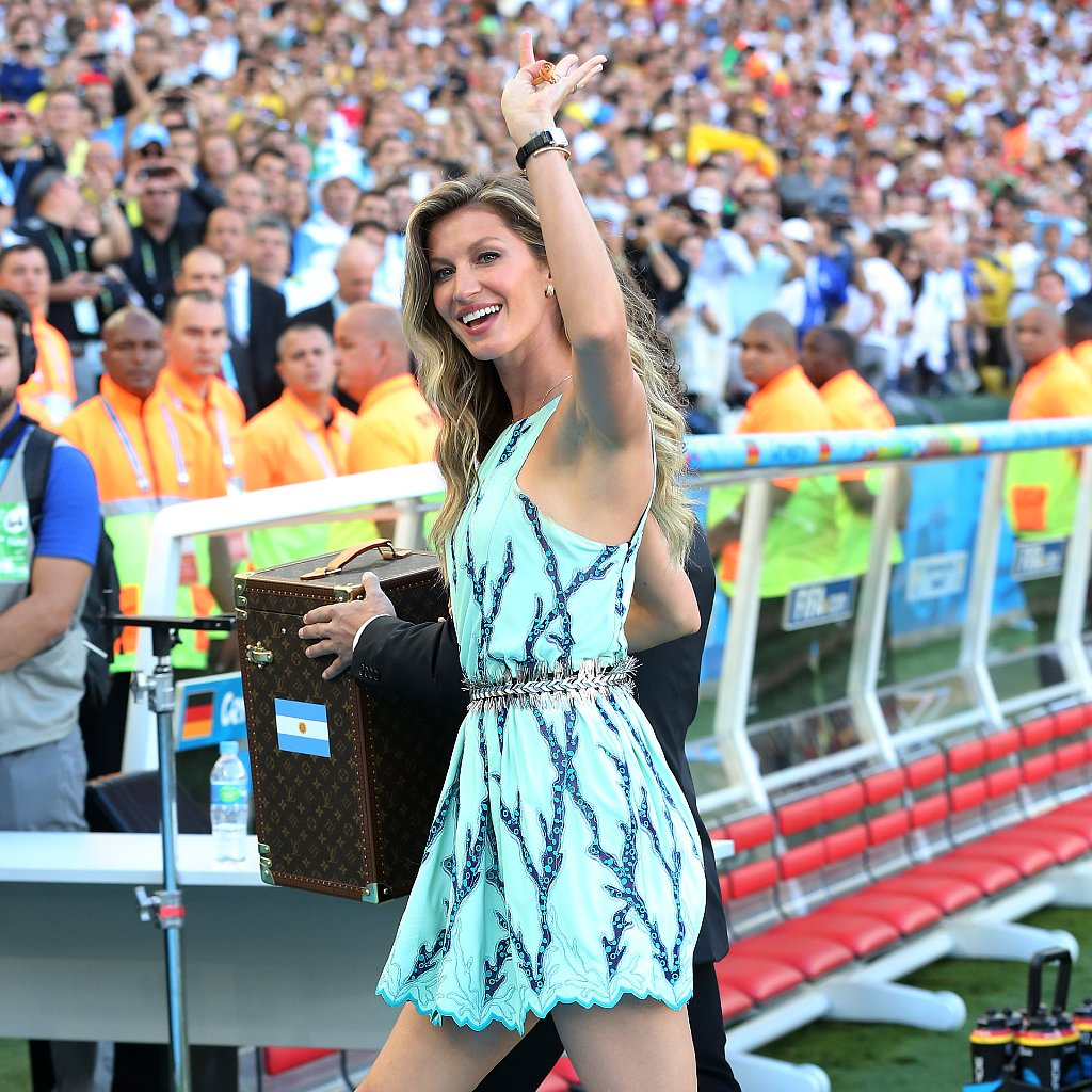 Gisele Bundchen Wore Louis Vuitton to the World Cup