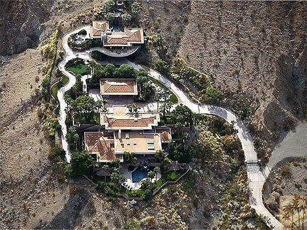 A better look at the overall property, which includes a 2,000-square-foot casita.  Source: Homgroup/Sotheby's